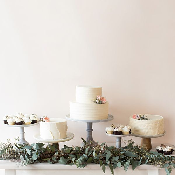 Crave Cupcakes Signature Wedding Cake Table