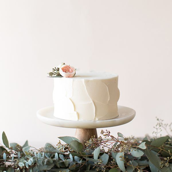 Crave Cupcakes White Stucco Cake