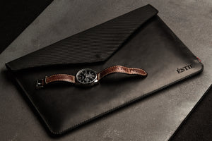 ÉSTIE Laptop Case Carbon Leather Premium Estonian Design