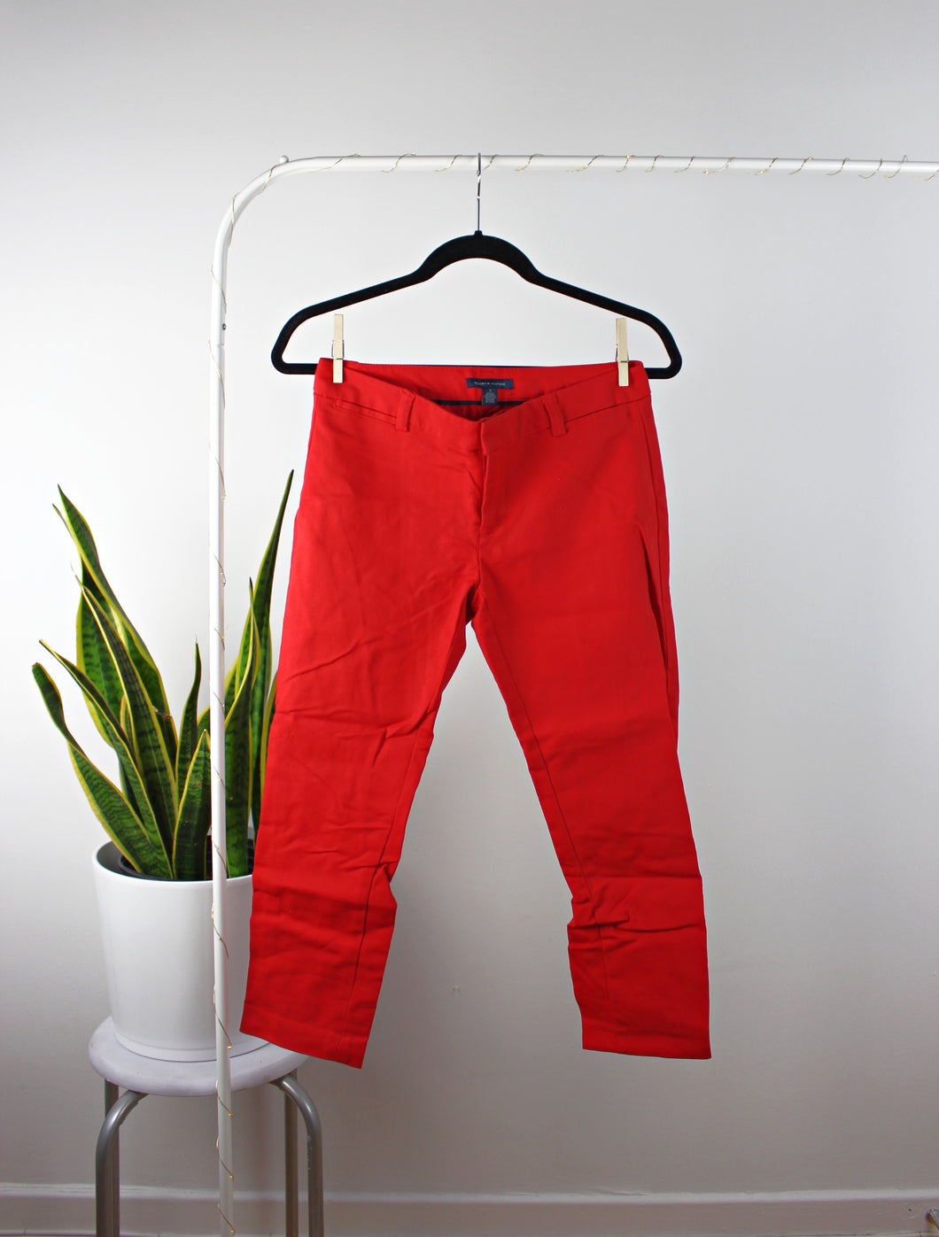 Le pantalon rouge intense