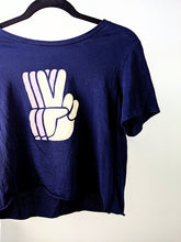 Charger l'image dans la galerie, Le t-shirt « peace out »
