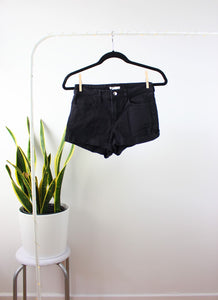 Short noir simple