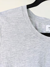 Charger l'image dans la galerie, T-shirt gris plus que simple