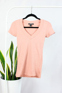 T-shirt rose col en V