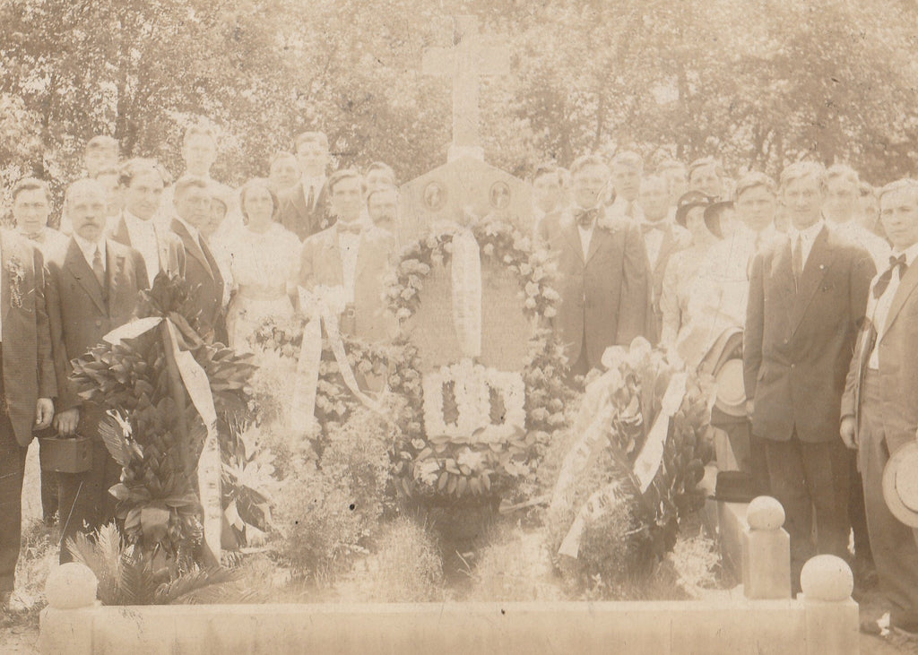 Chicago Garment Workers Strike 1910 Memorial Grave Cabinet Photo Close Up 2