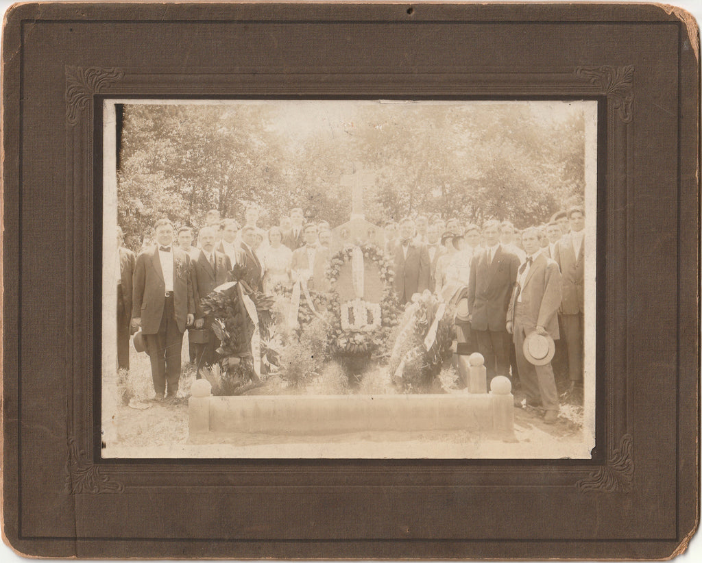 Chicago Garment Workers Strike 1910 Memorial Grave Cabinet Photo
