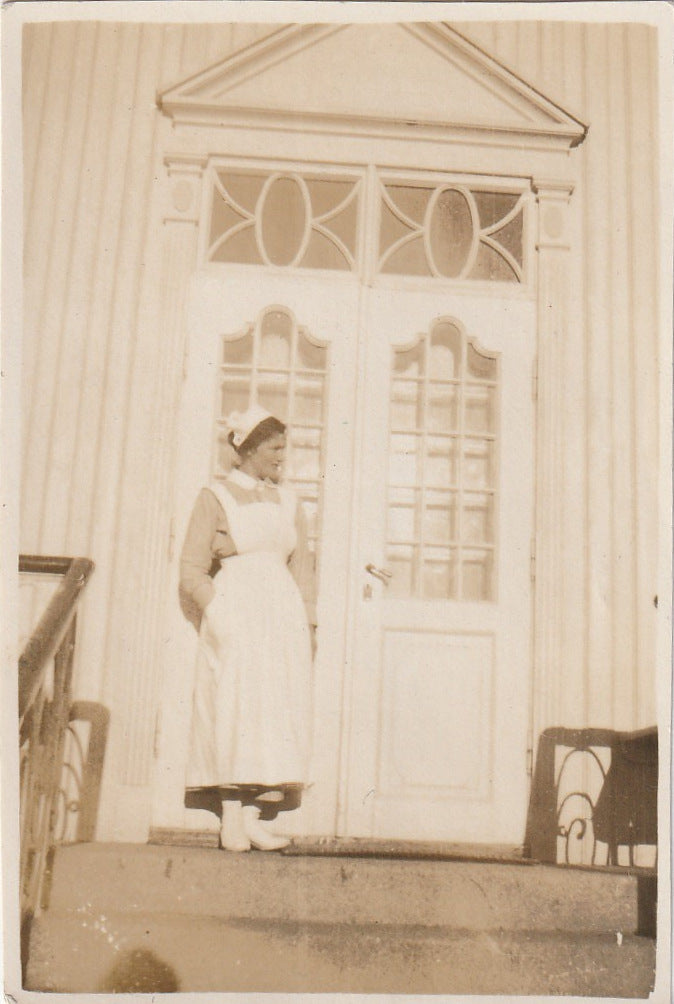 Edwardian Nurse Antique Photo