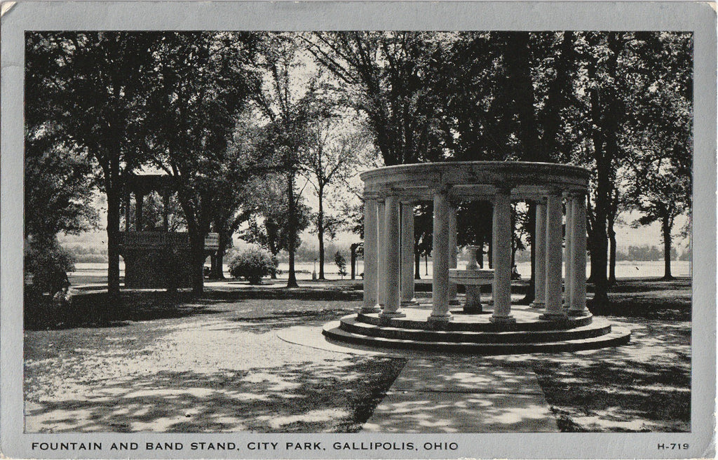 Fountain and Band Stand - City Park, Gallipolis, Ohio - Postcard, c. 1950s
