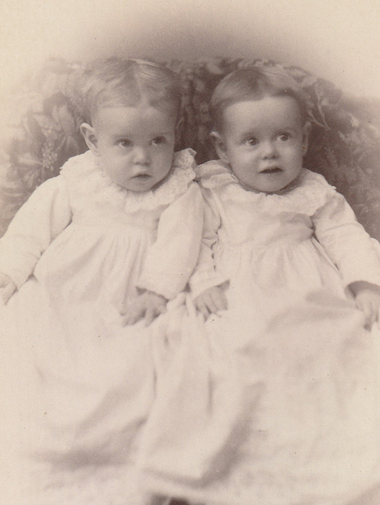 Mary and Faye Barclay Twins Barclay Iowa Cabinet Photo Close Up 2
