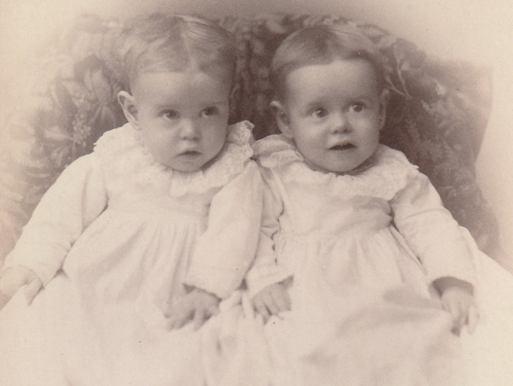 Mary and Faye Barclay Twins Barclay Iowa Cabinet Photo Close Up 3