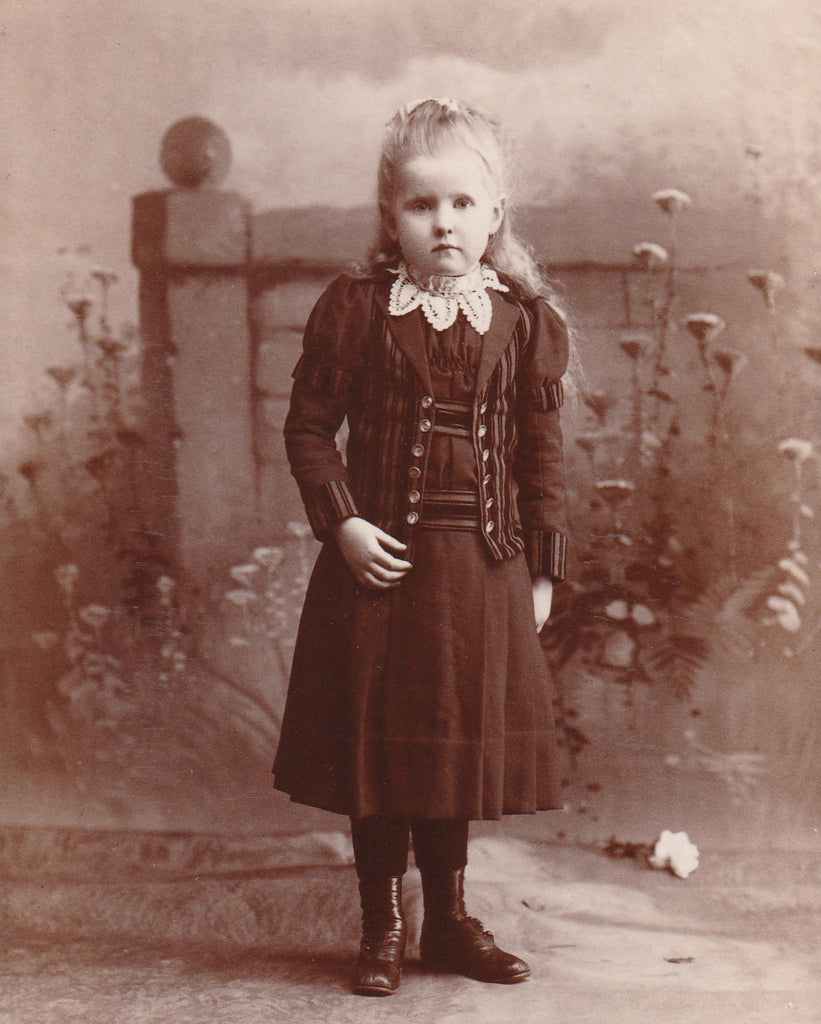 Secret Garden Girl - Pittsburgh, PA - Cabinet Photo, c. 1800s Close Up