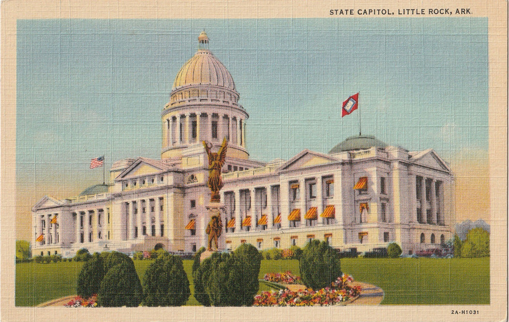 State Capitol Building - Little Rock, AR - Postcard, c. 1940s