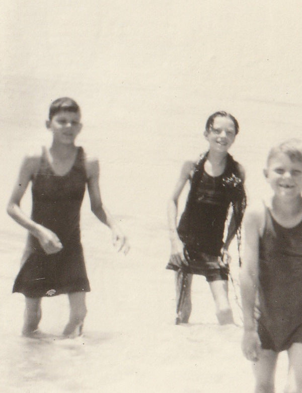 Swimsuits and Seaweed 1920s Vintage Photo Close Up 3
