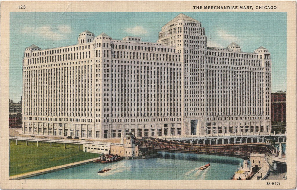 The Merchandise Mart - Chicago, Illinois - Postcard, c. 1930s
