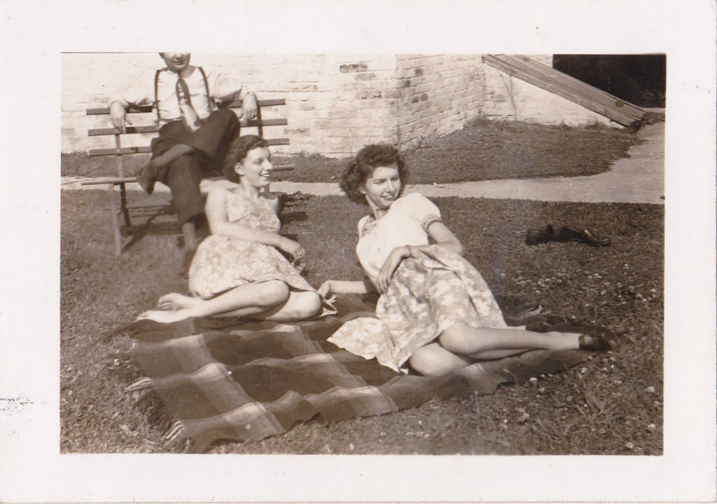 Picnic Blanket- 1940s Vintage Photograph- Women at Park- Best Friends- Found Photo- Pretty Woman- 40s Fashion