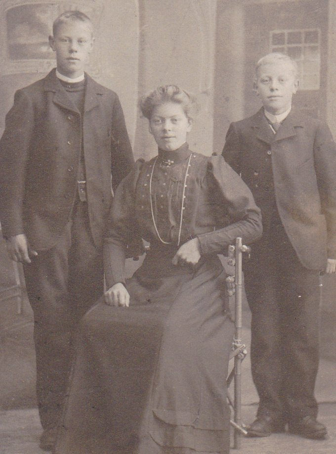 Norwegian Siblings- 1800s Antique Photograph- Kristiansund, Norway- Victorian Family- CDV Portrait- Brothers and Sister- Paper Ephemera