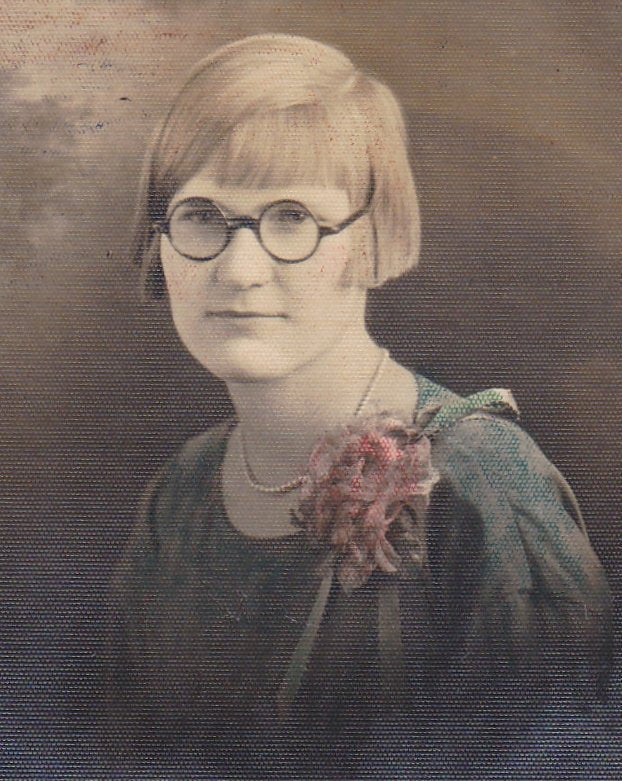 Bookish Flapper- 1920s Antique Photograph- Roaring 20s- Bobbed Hair- Horn Rimmed Glasses- Woman Portrait- Hand Tinted- Found Photo- Ephemera