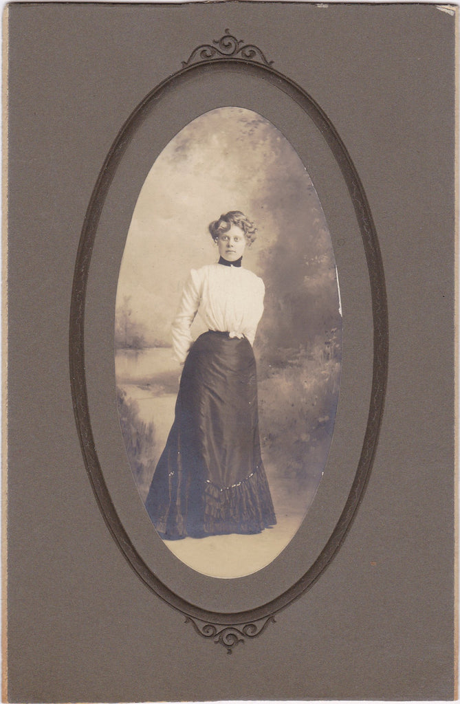 Gibson Beauty- 1890s Antique Photograph- Victorian Woman- Cabinet Photo- 19th Century Fashion- Full Length Portrait- Found Photo- Ephemera
