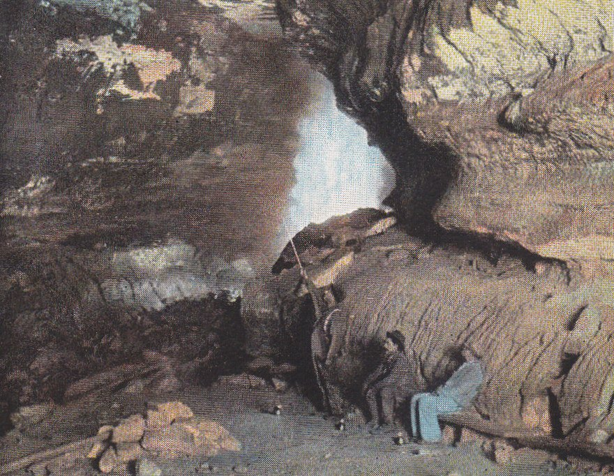 Star Chamber- 1930s Vintage Postcard- Mammoth Cave, Kentucky- Souvenir- National Park- Rock Formation- Underground- Used