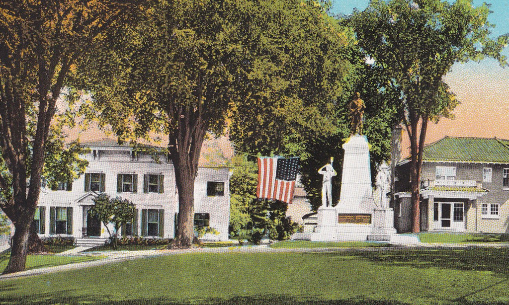 Soldiers Monument- 1920s Antique Postcard- Union Place, Johnstown, NY- New York Souvenir- C W Hughes- Memorial Statue- Curteich