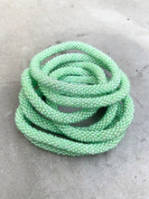 Indlæs billede til gallerivisning PASTEL LIGHT GREEN BRACELET
