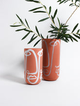 Load image into Gallery viewer, Terracotta Finca Cara Vase
