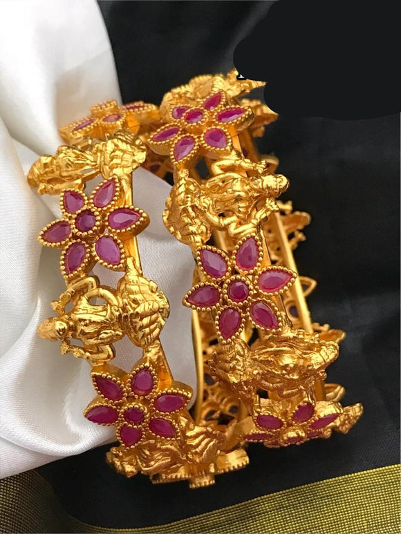 Laxmiji Flower Pattern Temple Bangles