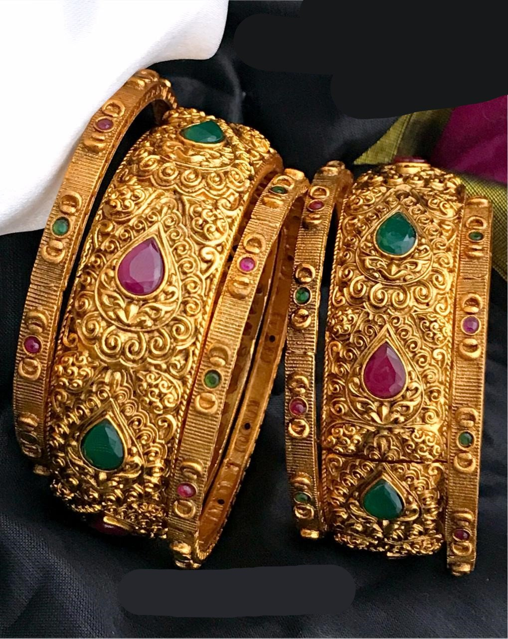 Exclusive Designed Bangles Set