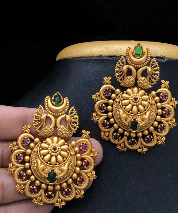 Gold Matte Finish Jhumkha Earrings With Kemp Stone