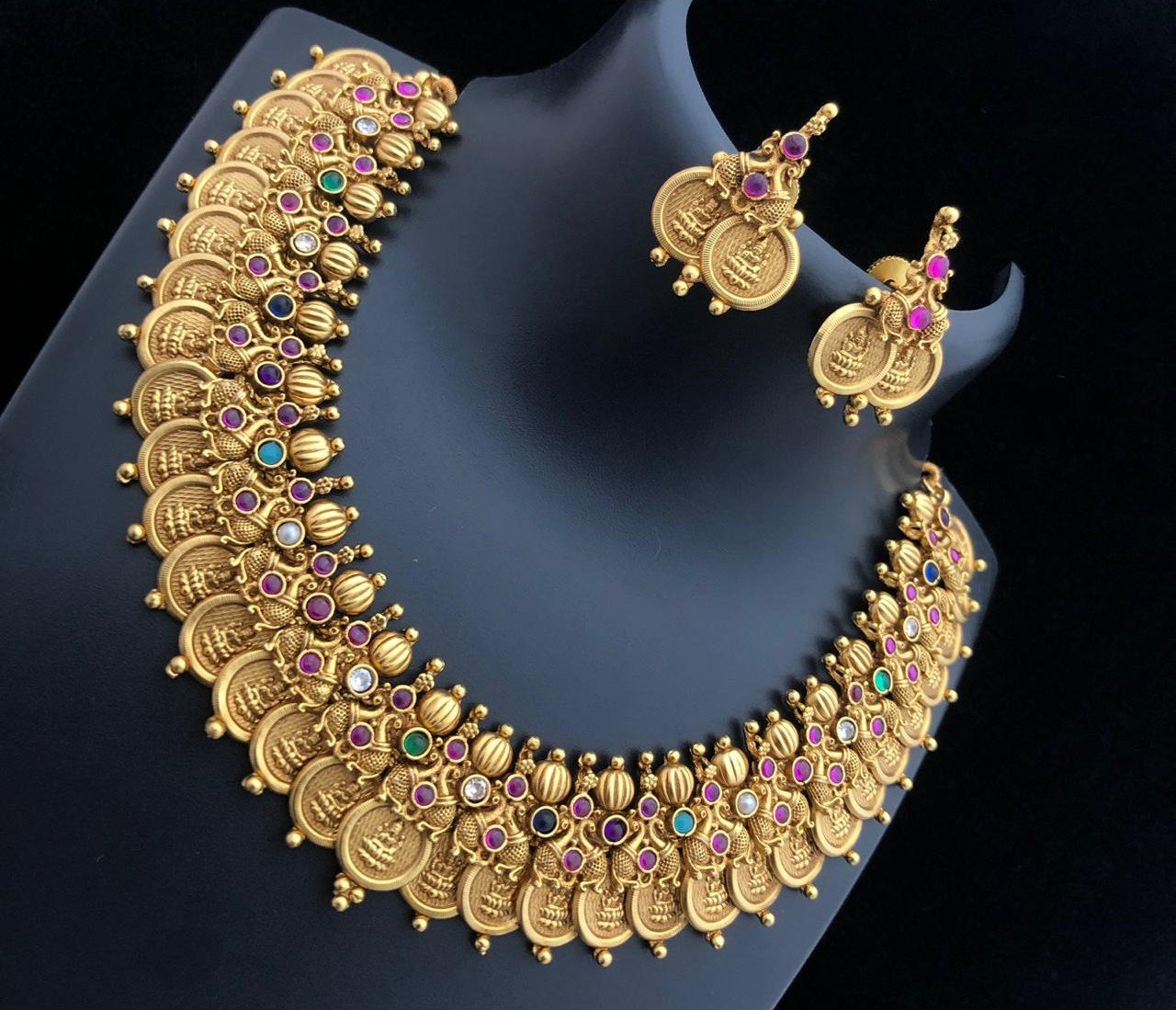 Laxmi Temple Designed Coin Style Choker Necklace With Kemp Stone