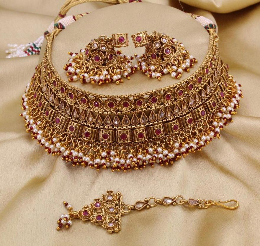 Pink Colored Bridal Choker With Zhumkha And Maang Tikka