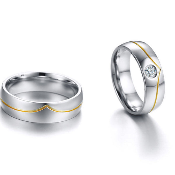 Simple Gold Line Couples Ring Set