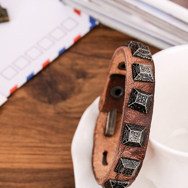 Square Rivet & Genuine Leather Men's Bracelet