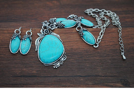 Boho Vintage Turquoise & Silver Necklace & Earring Set
