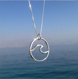 Wave in Silver Necklace