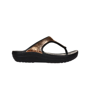 Crocs Women's Sloane Hammered Met Flip