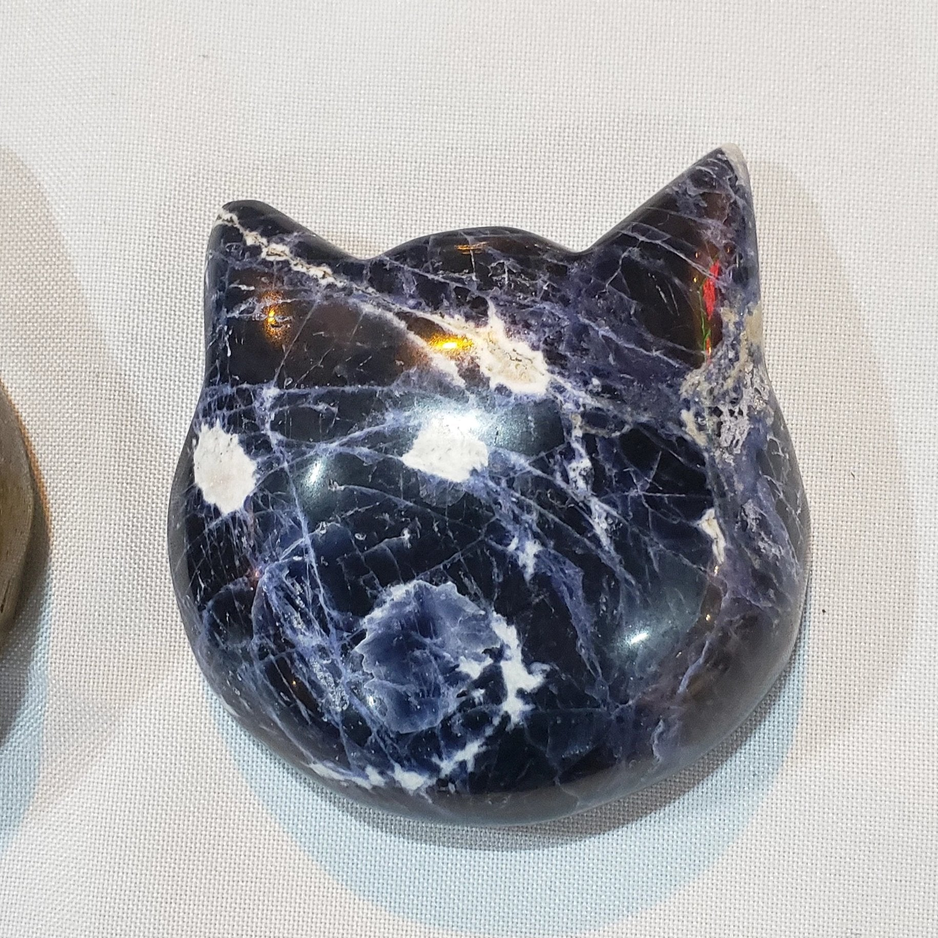 Sodalite cat head