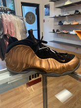 Load image into Gallery viewer, Nike Foamposite Copper