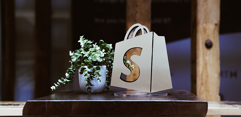 Top 30 Best Shopify Themes Free + Premium: A Complete Review