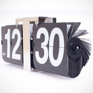 Black Retro Flip Down Clock