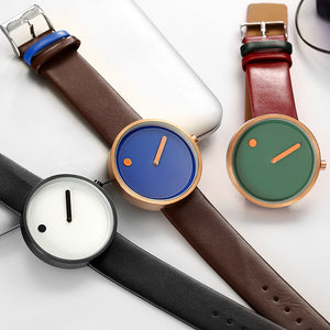 Stylish minimalist quartz watch with leather wrist