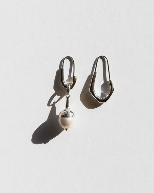 Lulu Earrings - Silver & Pearl