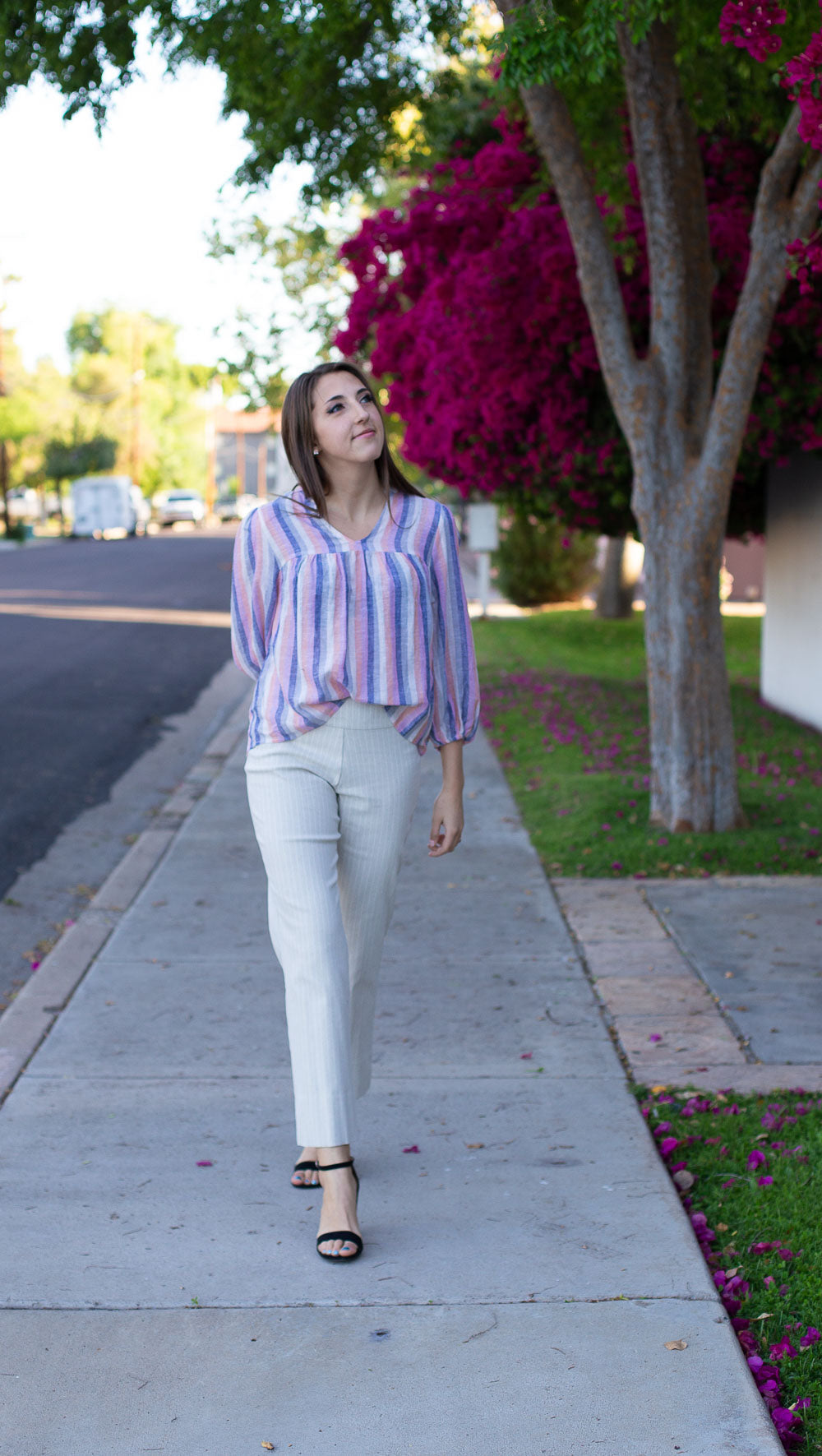 Striped lightweight linen blouse with V-neck and 3/4 length sleeves