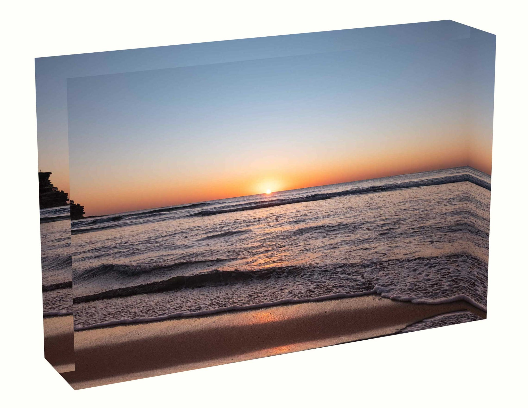 Acrylic block Sunrise photo from the 25th April 2020 at Queenscliff Beach, Sydney