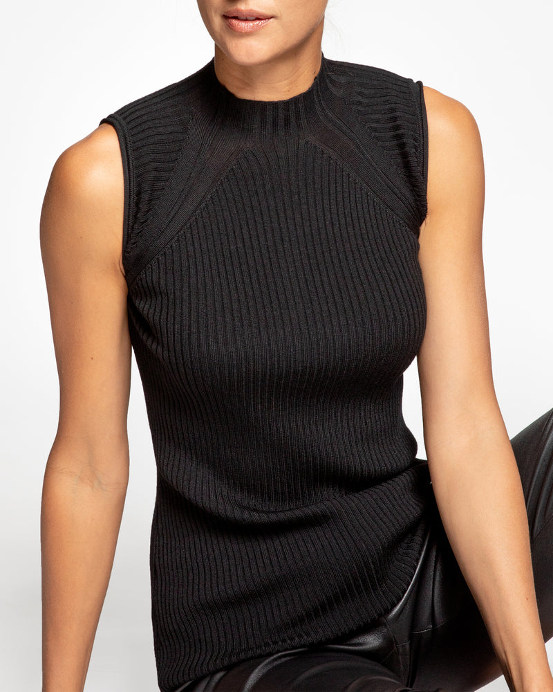 """RILEY"" Sleeveless Knit Top with Fancy Pattern"