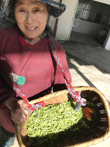 Dragon Well Tea or Lóngjǐng Tea has been recognized as one of China's finest tea varieties since the Ming Dynasty (1368-1644). Two key steps in preparing Lóngjǐng tea are the careful selection of the tea leaves and their air drying on a bamboo mat.