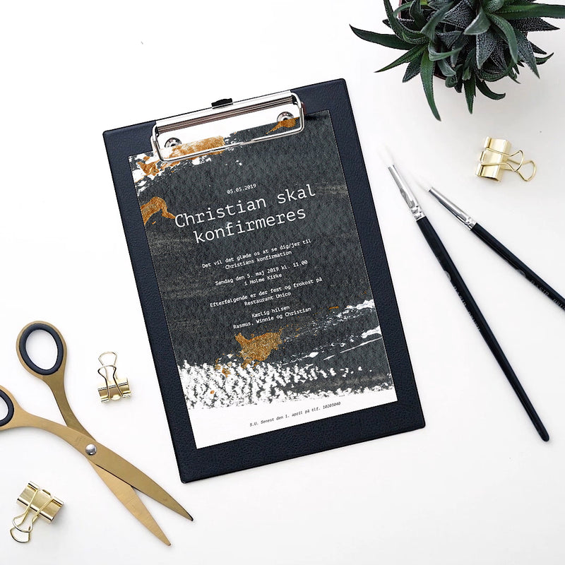 Black Splash - Invitation til konfirmation designet af Kalas Studio
