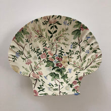 Load image into Gallery viewer, Seashell No. 1: Chintz Florals