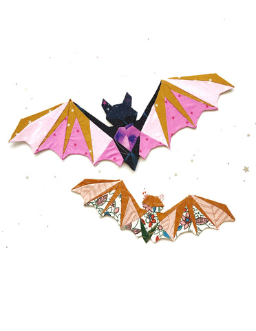 The Bat EPP Along includes lots of extra tips and instructions in this scrap friendly pattern #BatEPP #BatEPPAlong