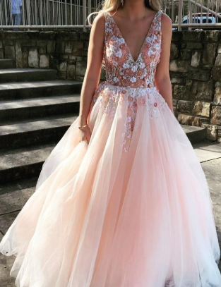 Sexy Backless Prom Dress Pearl Pink Tulle V-neck Appliques Graduation Gown cg1166